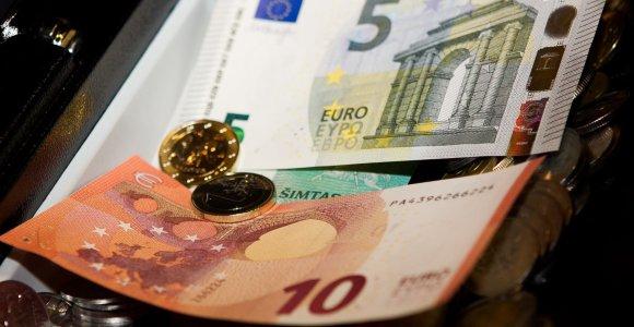 Painiavos dėl eurų kaina: Šiauliuose pardavėja per klaidą atidavė pirkėjui visą savo algą