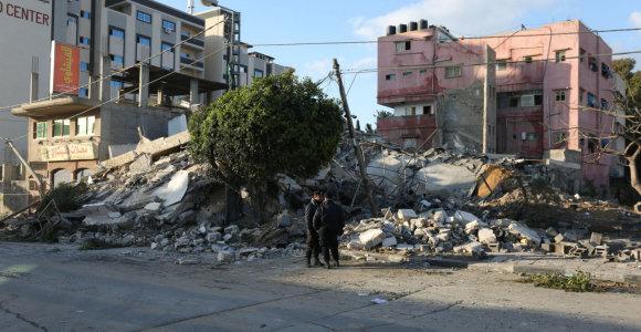 """Izraelio aviacija po paleistos raketos smogė """"Hamas"""" taikiniams Gazos Ruože"""