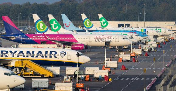 """""""Ryanair"""" ir """"Wizz Air"""" skelbia apie naujus skrydžių atšaukimus"""