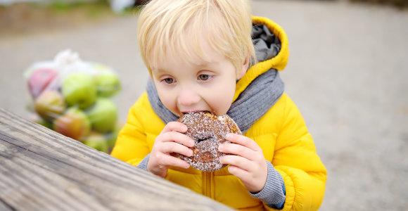 Gydytoja-dietologė E.Gavelienė apie maitinimosi įpročius: jei vaikas nori bandelės, tikrai jam nebūtina valgyti pasislėpus