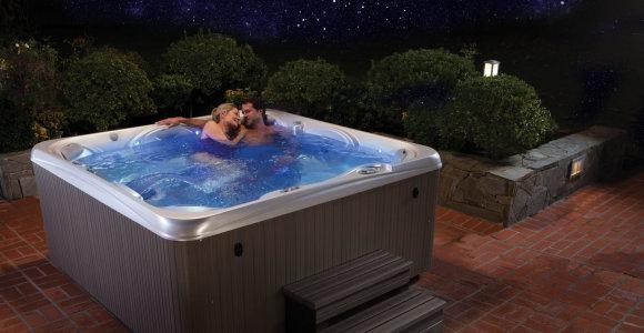 """Spalio 3-5 ir 11-13 dienomis masažinių baseinų gerbėjus kviečia """"Hot Tub Expo"""""""