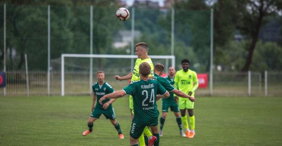 """Visi trys A lygos lyderiai prasibrovė į kitą LFF taurės etapą, """"Kauno Žalgiris"""" – po baudinių"""
