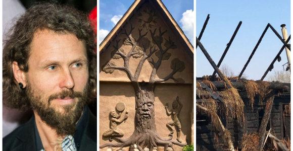 Gaisro suniokoti Lino Karaliaus tėvų namai kyla iš pelenų: vieną pastatą papuošė meno kūrinys