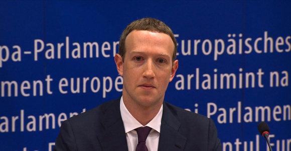 Markas Zuckerbergas ragina reglamentuoti inovacijų pramonę. Kam tai naudinga?