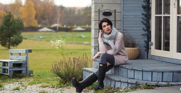 Ramunė susikūrė darbo vietą: žiūri serialus ir mezga