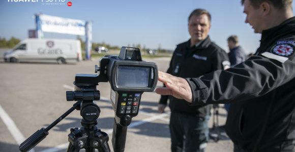 Skaitytojas suabejojo: ar naujieji policijos greičio matuokliai Lietuvoje – teisėti?