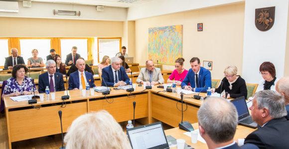 Pradedamos Seimo komitetų ir komisijų posėdžių tiesioginės transliacijos