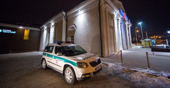 """Pranešta apie padėtą sprogmenį Vilniaus """"Maximoje"""", vykdoma žmonių evakuacija"""