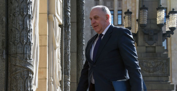 Ambasadorius R.Motuzas atšaukiamas iš Rusijos konsultacijoms, nes tapo pažeidžiamas