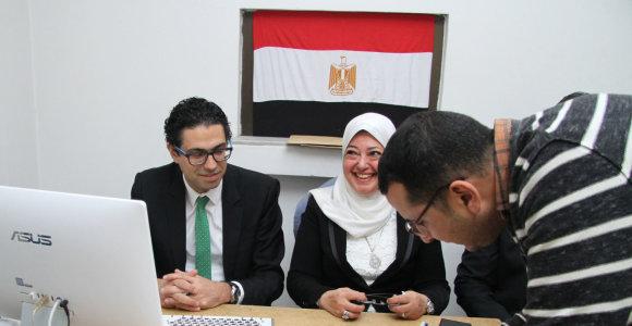 Užsienyje gyvenantys egiptiečiai renka prezidentą išankstiniuose rinkimuose
