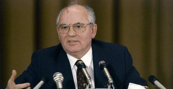 M.Gorbačiovas įspėjo apie naujų ginklavimosi varžybų ir Šaltojo karo pavojų