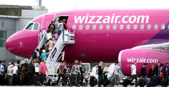 """Keičiasi """"Wizz Air"""" rankinio bagažo politika"""