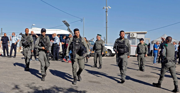 Rytų Jeruzalėje pašautas užpuolikas, mėginęs subadyti Izraelio pareigūną