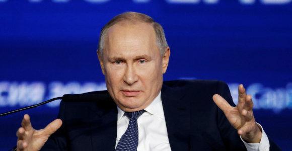 """V.Putinas užsipuolė Bulgariją dėl """"TurkStream"""" projekto """"sąmoningo vilkinimo"""""""