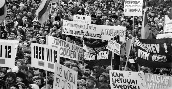 Prieš 30 metų: Michailo Gorbačiovo vizitas Vilniuje 1990 m. sausį ir Tautos Sueiga