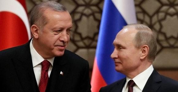 Ekonominė krizė Turkijoje: ar Ankara iškeis NATO į Rusijos paramą?