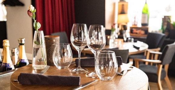 """30 geriausių restoranų. 11 vieta: vyno baro marškinėlius išaugęs """"Somm"""", kuriame pasitinka tituluoti someljė"""