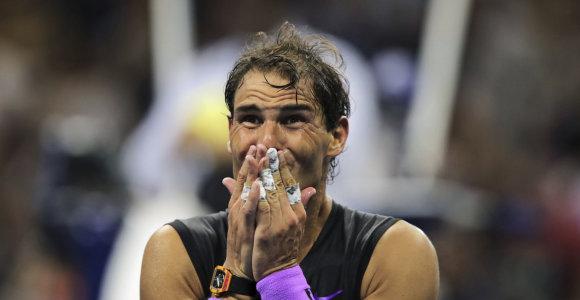 """Po specialaus video ašarų nesulaikęs R.Nadalis: """"Šis titulas man reiškia viską"""""""