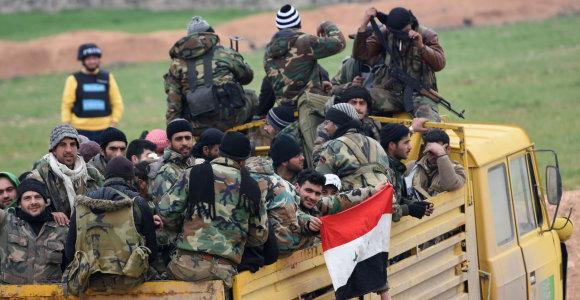 Sirijos vyriausybės pajėgos netoli Damasko rado dešimčių žmonių kapavietę