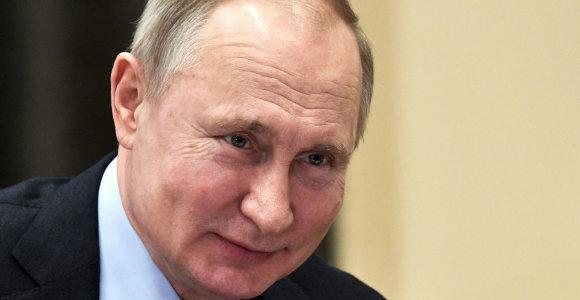 V.Putino žinia apie permainas pritrenkė Maskvą: ministrai vos spėjo susikrauti daiktus