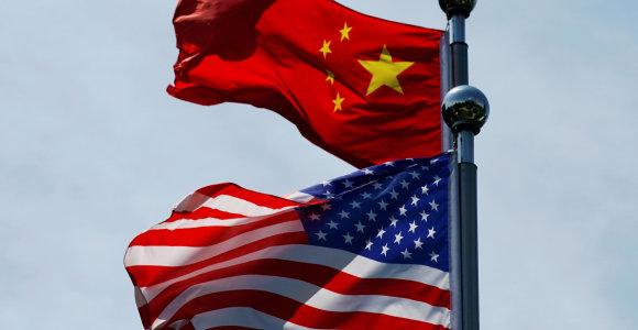 """Kinija paskelbė """"atsakomuosius"""" suvaržymus JAV diplomatams"""