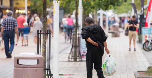 Pašalpa yra skurdo nuosprendis – neužtenka net minimaliems poreikiams, kai pusė lėšų nepanaudojama