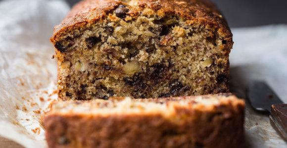 Skanėstas mažiems ir dideliems – bananų duona: su speltų miltais, įdomiais priedais ar be glitimo. 10 receptų