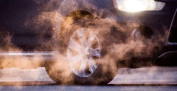 Jungtinė Karalystė nuo 2035 metų uždraus prekybą naujais benzininiais automobiliais