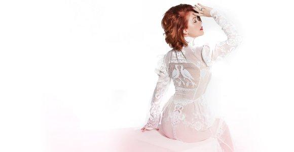 Erica Jennings pristato naują dainą ir solo albumą