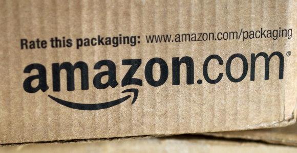 """Naujas """"Amazon"""" skandalas Indijoje – šlepetės su Mahathmos Gandhi atvaizdu"""
