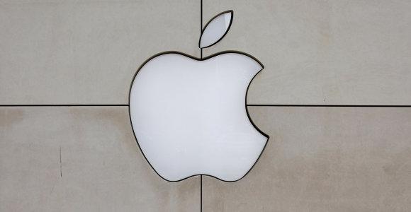 """""""Apple"""" įspėjo dėl koronaviruso nepasieksianti prognozuojamo įplaukų lygio"""