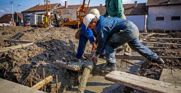 Brangstant statyboms ir trūkstant darbuotojų, plėtotojai drastiškai būstų nebrangins