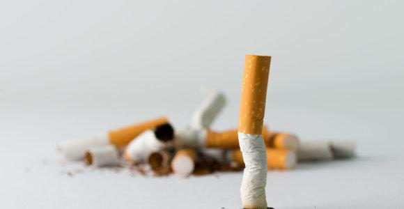 """Po departamento perspėjimo """"Philip Morris"""" pakoregavo kampaniją dėl metimo rūkyti"""