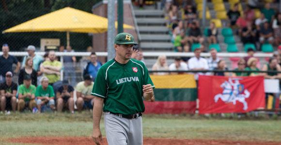 Tautišką giesmę giedantis amerikietis svajoja žaisti Lietuvos beisbolo rinktinėje