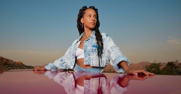 """Alicia Keys šiandien pristatė albumą, kuris galėtų būti tarsi """"muzikinė terapija"""""""
