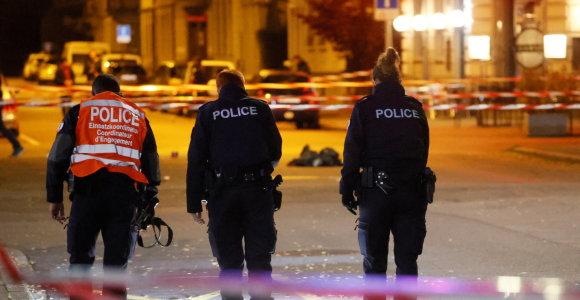 Šveicarijoje dėl užpuolimo peiliu sulaikyta moteris figūravo tyrime dėl džihadistų