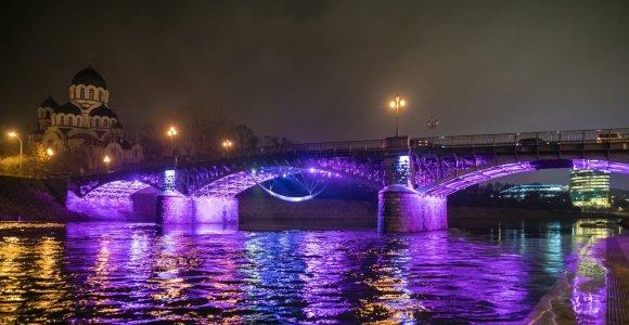 Per Lietuvą ritasi purpurinė banga – neišnešiotų naujagimių dienos proga nušvito per 30 pastatų