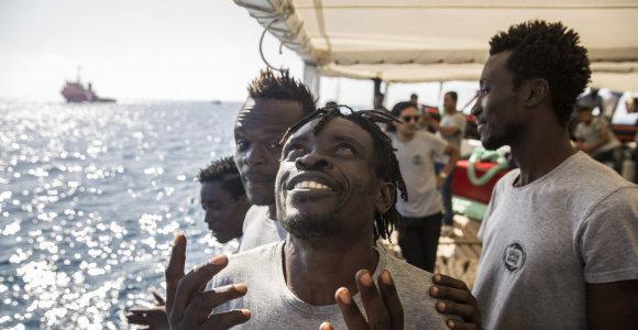 Roma: šešios ES narės pasirengusios priimti gelbėjimo laive įstrigusius migrantus