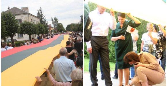 Joniškėlio respublika: šimto metų jubiliejus su prezidentu ir rekordine vėliava