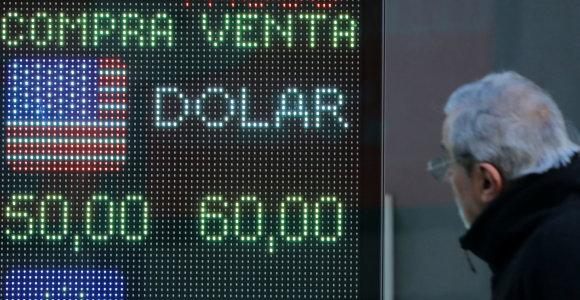 Pirminių rinkimų rezultatai nusmukdė Argentinos obligacijų kainas ir akcijų rinką