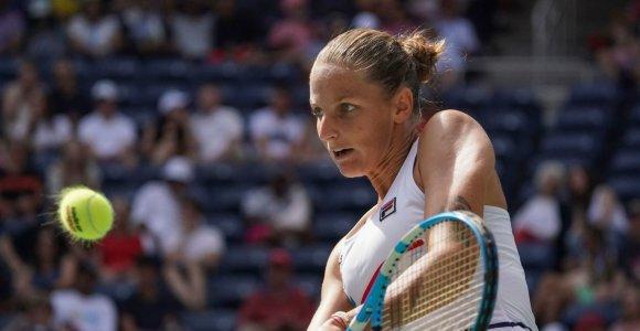 Pateisina favoritės etiketę: Karolina Pliškova žengė į finalą Džengdžou