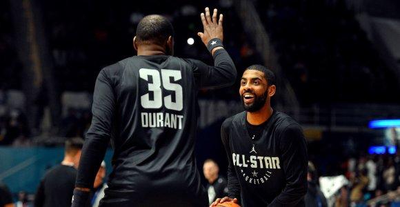 """Sujudimas """"Nets"""" stovykloje: K.Irvingas gavo smūgį alkūne, K.Duranto planuose nėra"""