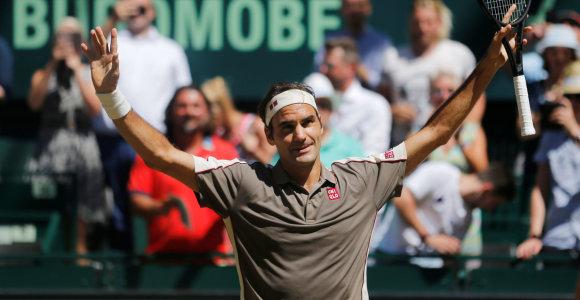 Halės karalius – Rogeris Federeris turnyrą laimėjo rekordinį 10-ą kartą