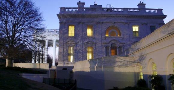 Baltieji rūmai ieško, kas nutekino informaciją apie D.Trumpo sveikinimą V.Putinui