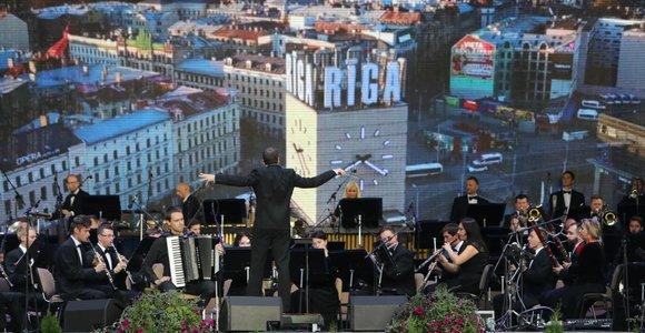 """Vilniuje skamba """"Šimtmečio garsai"""" – trijų Baltijos šalių sostinės švenčia Laisvę!"""
