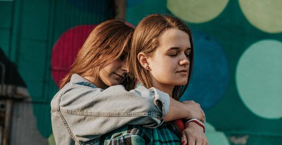 Fotografė Deimantė Rudžinskaitė įamžino tos pačios lyties poras