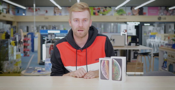 """iPhone Xs"" išpakavimas (unboxing)"