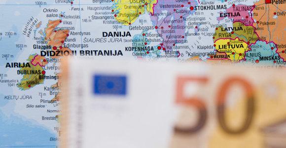 VMI gyventojams už žemės mokesčio permokas grąžins apie 400 tūkst. eurų