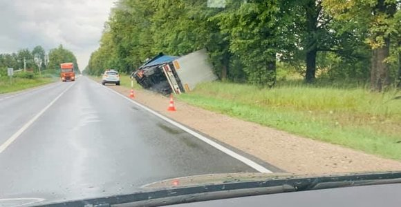 Pasvalio ir Kauno rajonuose – sunkvežimių avarijos