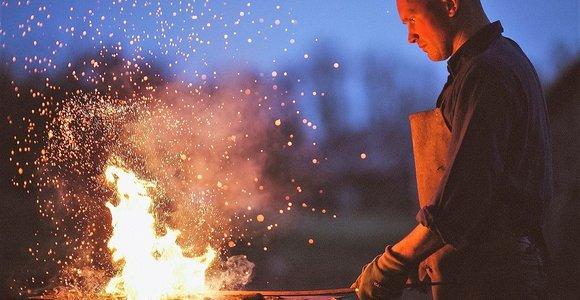 """Ugniagesys–skulptorius Audrius Laucius: """"Kupiškėnai geri žmonas, jų tiesūs kelaliai..."""""""